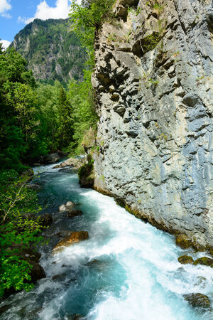 dora: Corriente del Dora de Verney - Valle de Aosta - Italia del norte Foto de archivo