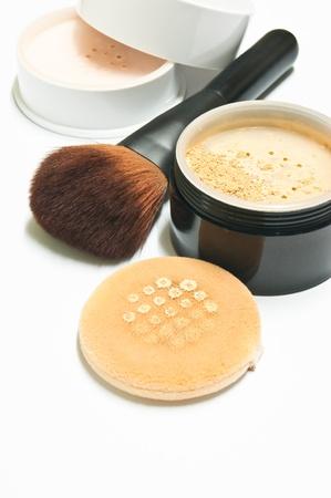 화장품: 얼굴에 주름을 은폐하는 데 도움이 화장품 스톡 사진