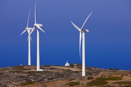 Berglandschap. Wind molens. Crete. Griekenland.  Stockfoto