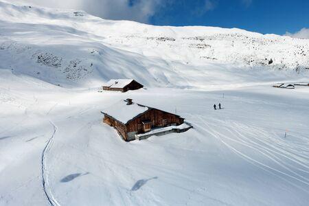 swiss alps: Stok narciarski w Alpach Berneńskich w Szwajcarii.