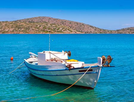 barca da pesca: Peschereccio al largo delle coste di Creta e Mirabello, Grecia