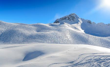 zugspitze mountain: Zugspitze Glacier Ski Resort in Bavarian Alps, Germany