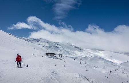 Ski slopes of Pradollano ski resort in Sierra Nevada mountains in Spain Редакционное