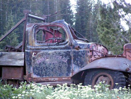 old rusted truck         Banco de Imagens
