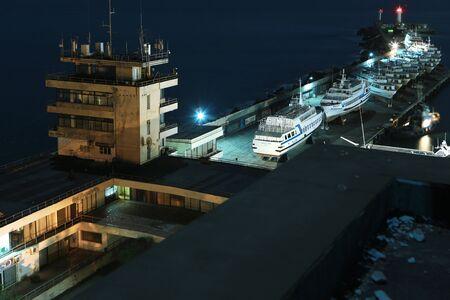 wintering: seaport