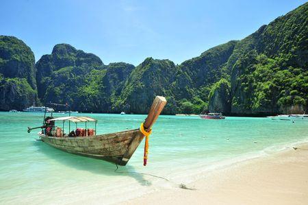 krabi: Barca in spiaggia, maya bay, phi phi Island.krabi, Sud della Thailandia  Archivio Fotografico