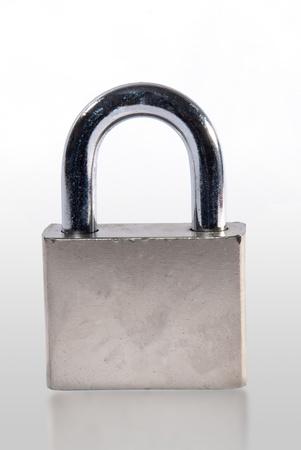 Lock, isoliert auf weiss  Standard-Bild - 8765622