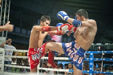 バンコク タイ-MAR19: 正体不明の選手 MARCH19、プロアマ ムエタイ世界選手権で世界タイ武道祭 2011 タイのバンコクの MBK ので
