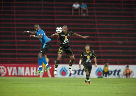 THAILAND- APRIL 16 : Thai Premier League (TPL) between TOT Sc (Blue) vs Army Utd. (Black) on April 16, 2011 at  Thunderdome Stadium Bangkok, Thailand