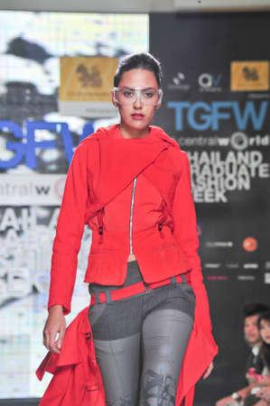 BANGKOK, THAILAND - SEPTEMBER 16 : Model showcases on the catwalk during Thailand Graduate Fashion Week 2011 on September 16, 2011 in Bangkok Thailand.  Stock Photo - 10592233