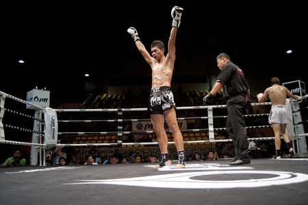 BANGKOK THAILAND-25. September: Thai Fight: Muay Thai .. Welt Standard-Bild - 10678521