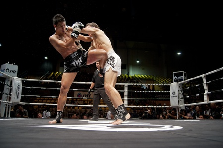 BANGKOK THAILAND- SEPTEMBER 25 : Thai Fight : Muay Thai..World