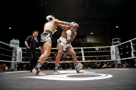 ring light: BANGKOK THAILAND- SEPTEMBER 25 : Thai Fight : Muay Thai..World