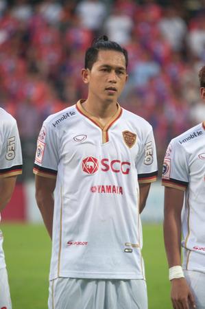 premier league: BANGKOK THAILAND-MAY 28 : Thai Premier League Singtrareo Fc and Muangthong United at Pat Stadiumon May 28,2014 in Thailand