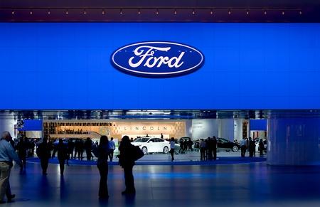 ford: DETROIT - 11 januari: De Ford Lincoln display op de 2012 North American International Auto Show Industrie preview op 11 januari 2012 in Detroit, Michigan.
