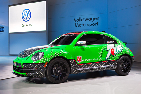 CHICAGO - FEBRUARY 7 :A Volkswagen race car at the Chicago Auto Show media preview February 7, 2014 in Chicago, Illinois. Imagens - 25900849