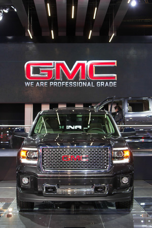 DETROIT - JANUARY 15: A GMC Denali pickup truck on display January 13th, 2015 at the 2015 North American International Auto Show in Detroit, Michigan. Stok Fotoğraf - 35733923