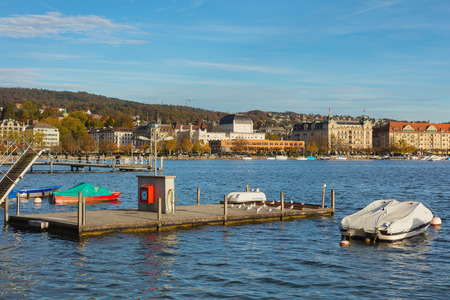 Zurich, Switzerland - October 25, 2017: Lake Zurich, buildings of the city of Zurich in the background. Lake Zurich is a lake in Switzerland, extending southeast of the city of Zurich, which is the largest city in Switzerland and the capital of the Swiss  Sajtókép