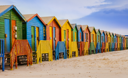 Row of colorful bathing huts in Muizenberg beach, Cape Town, South Africa Standard-Bild