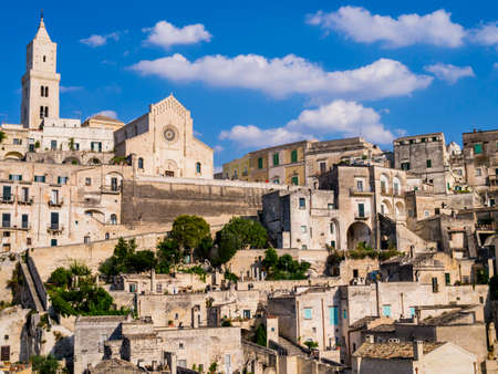 Picturesque view of Sasso Barisano district and its characteristic cave dwellings in the ancient town of Matera, Basilicata region, southern Italy Redakční