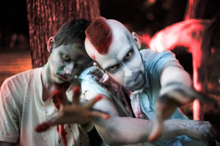 Zombis en el d�a de Halloween photo
