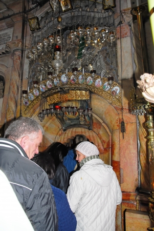 sepulcher: entrance into the most holy places of Jerusalem