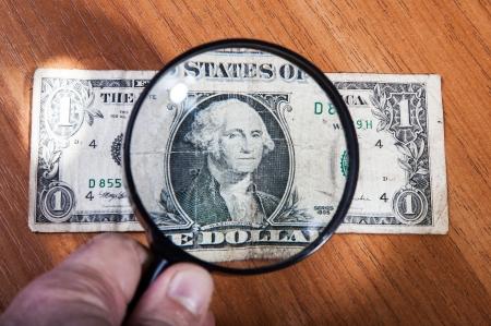 spuria: studio dei mercati dei cambi, primo piano, sfondo finanziario
