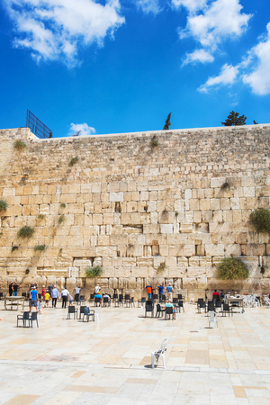 JERUSALEMISRAEL - 20 SEPTEMBER 2014: People pray at the Wailing Wall in Jerusalem. 20 september 2014 Jerusalem.