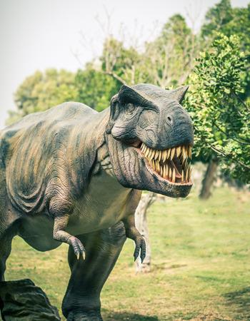 dinosaur teeth: ancient extinct dinosaur tyrannosaurus Stock Photo