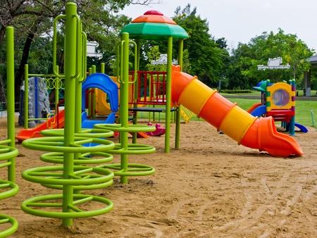 ni�os en recreo: Parque infantil Foto de archivo