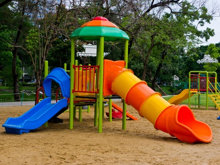 children at playground: Parque infantil Foto de archivo