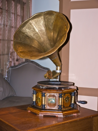 phonograph: Antique phonograph