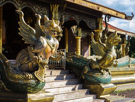 Garuda statue in Buddhist temple in Thailand Reklamní fotografie