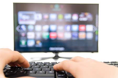 wifi internet: Smart TV y el teclado se conectan a la Internet