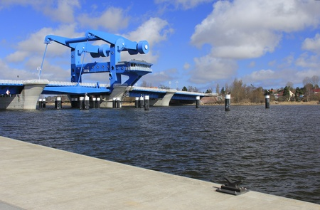 get across: the stroke bridge across the Peene river to get out in the Baltic Sea, Germany
