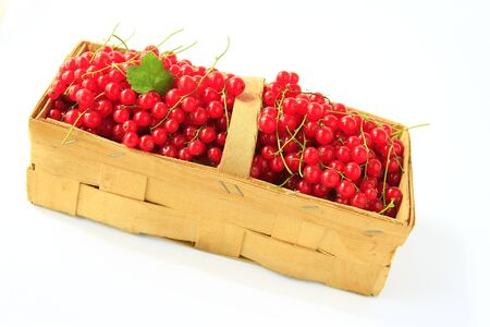 freshly picked red currants in a chip basket Stock Photo - 12803353