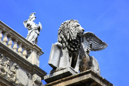 Lion of St  Mark on a column in front of the Palazzo Maffei at the Piazza delle Erbe, Verona, Italy