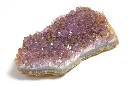 esot�risme: Plaque avec de nombreux petits cristaux d'am�thyste