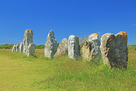 paleolithic: Alignments de Lagatjar, Paleolithic stone rows in the department of Finistere, Brittany, France Stock Photo
