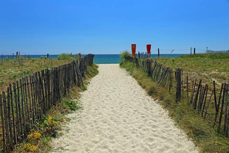 atlantic ocean: Beach access on the Atlantic coast in Brittany, France Stock Photo