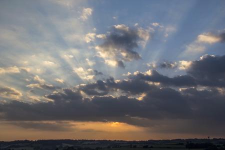 skyscape: Bonita puesta de sol y el cielo en Bath, Reino Unido - celaje  skyscape fotograf�a Foto de archivo