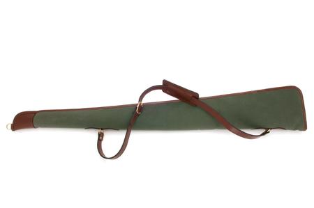 fusil de chasse: Cutout vert Voyage cas de fusil de chasse en toile de coton.