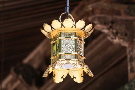 bouddhisme: Japonaise Bouddhisme Shingon Golden Lantern Banque d'images