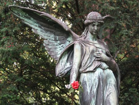 angel of death: Cemetery Statue