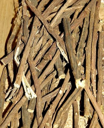 nicotine: Glycyrrhiza to chew on nicotine withdrawal