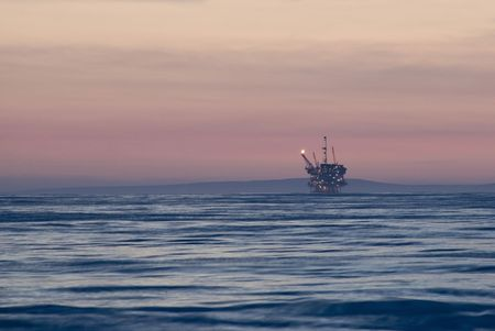 An off-shore oil platform on the pacific coast, off California Stock Photo - 4624406