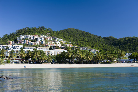 airlie: Scenic view of lovely hillside beach resort pf Airlie Beach on a pleasant day and a bright sun