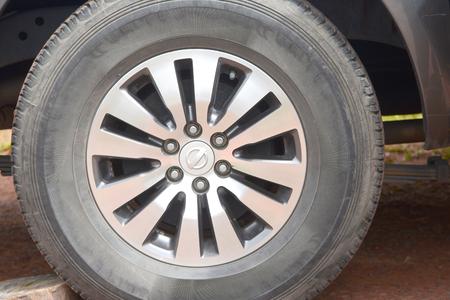 alloy: car tire with aluminum alloy wheel