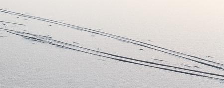 ski traces: Skiing trace