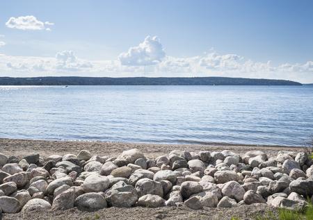Journée ensoleillée d'été à côté du lac Banque d'images - 60171447